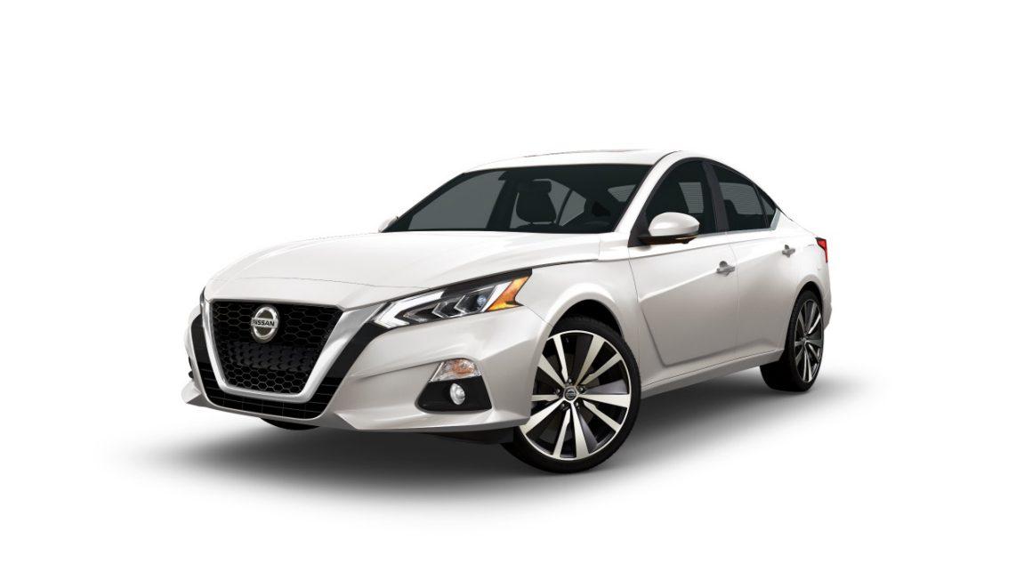 Rent a Nissan Altima in Los Cabos
